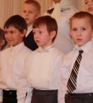 2. Выступает певческое отделение ВШ. Младшая группа.